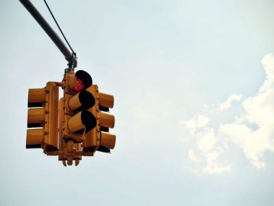 Accident Caused by a Traffic Light Malfunction – Who is at fault?